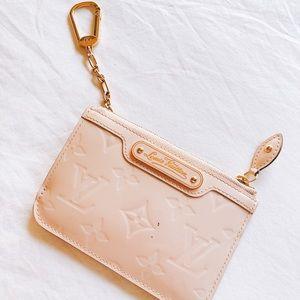 💕Authentic Louis Vuitton vernis key pouch  💕✨🌙